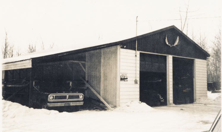Garage with shelter, Ford truck - 70s